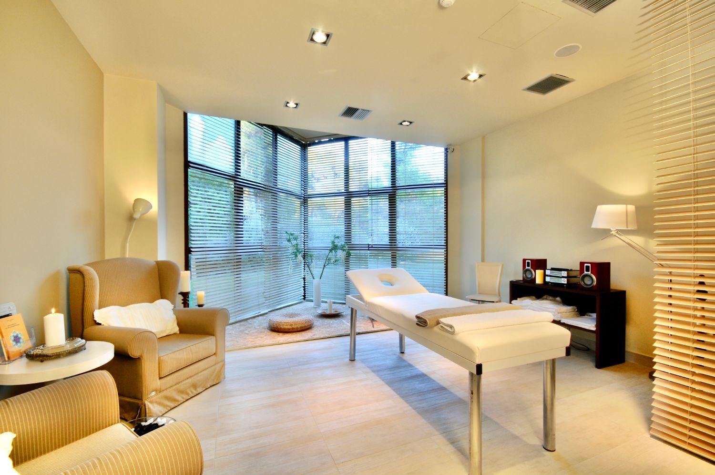 Polyastron Aurora Spa Massage Room
